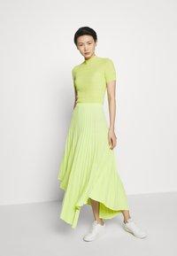 MRZ - PLEAT SKIRT - Plisovaná sukně - lime - 1