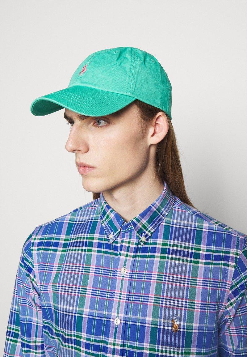 Polo Ralph Lauren - CLASSIC SPORT UNISEX - Keps - sunset green