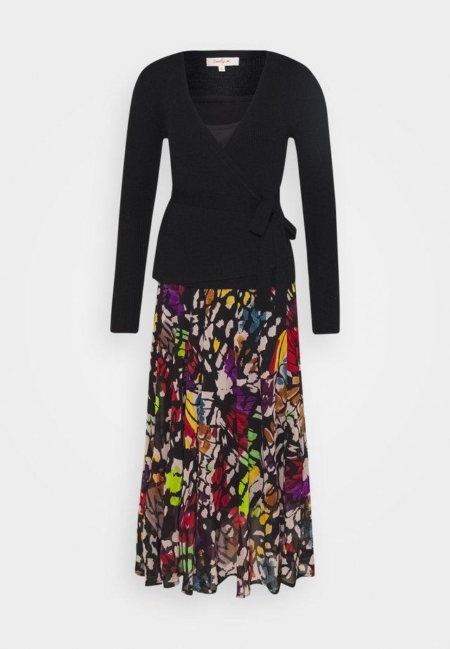 ECHEANCE ROBE - Strikket kjole - black