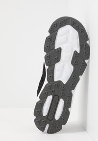 Viking - BJERKE - Hiking shoes - black - 5