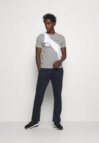 Champion - LEGACY CREWNECK - Basic T-shirt - dark grey - 1