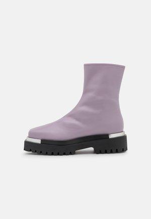DEVOUT - Platform-nilkkurit - light purple