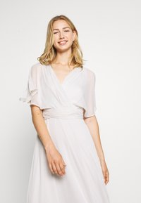 Nly by Nelly - FLOWY SLEEVE GOWN - Galajurk - light grey - 3