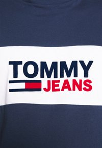 Tommy Jeans - PIECED BAND LOGO TEE - Print T-shirt - twilight navy - 5