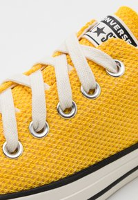 Converse - CHUCK TAYLOR ALL STAR UNISEX - Trainers - amarillo/egret/black - 5