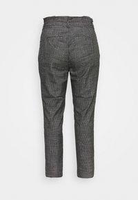 Vero Moda Curve - VMEVA LOOSE PAPERBAG AMY PANT - Trousers - black/grey/ white - 1