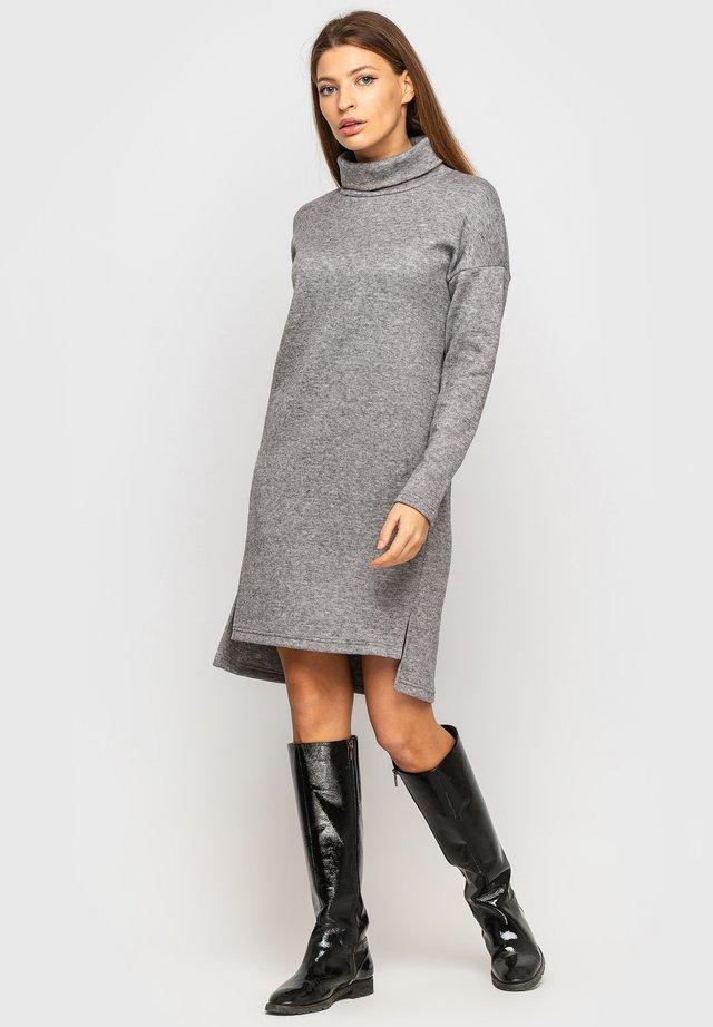 Robe pull - grau
