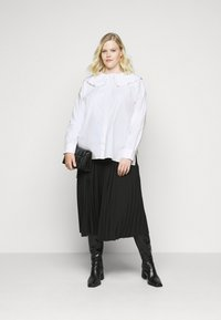 Glamorous Curve - OVERSIZE COLLAR - Blouse - white - 1