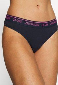 Calvin Klein Underwear - THONG - String - shoreline - 4