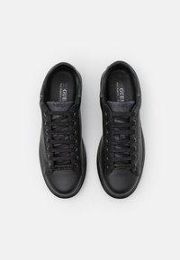 Guess - SALERNO - Trainers - black/burnis cognac - 3
