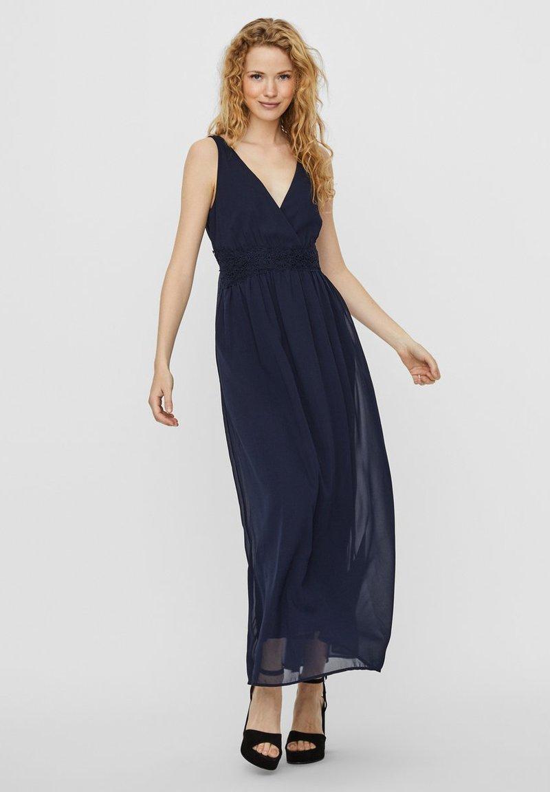 Vero Moda - SPITZENHEMDCHEN - Maxi dress - navy blazer