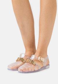 MOSCHINO - Sandals - trasparente - 0