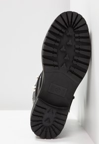 Bullboxer - Cowboy/biker ankle boot - black - 8