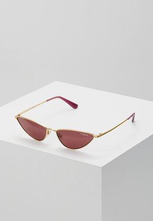 GIGI HADID LA FAYETTE - Solbriller - gold-coloured