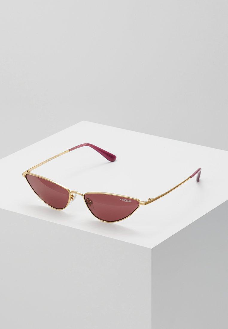 VOGUE Eyewear - GIGI HADID LA FAYETTE - Sluneční brýle - gold-coloured
