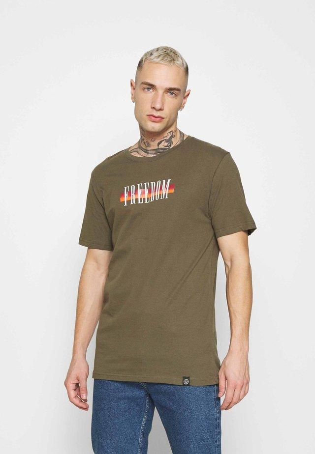 TEE  - T-shirt con stampa - khaki