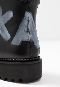 KARL LAGERFELD - KADET HI LACE BOOT - Lace-up ankle boots - black - 2