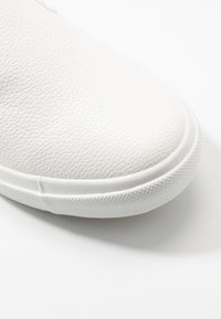 New Look Wide Fit - WIDE FIT MILO - Nazouvací boty - white - 2