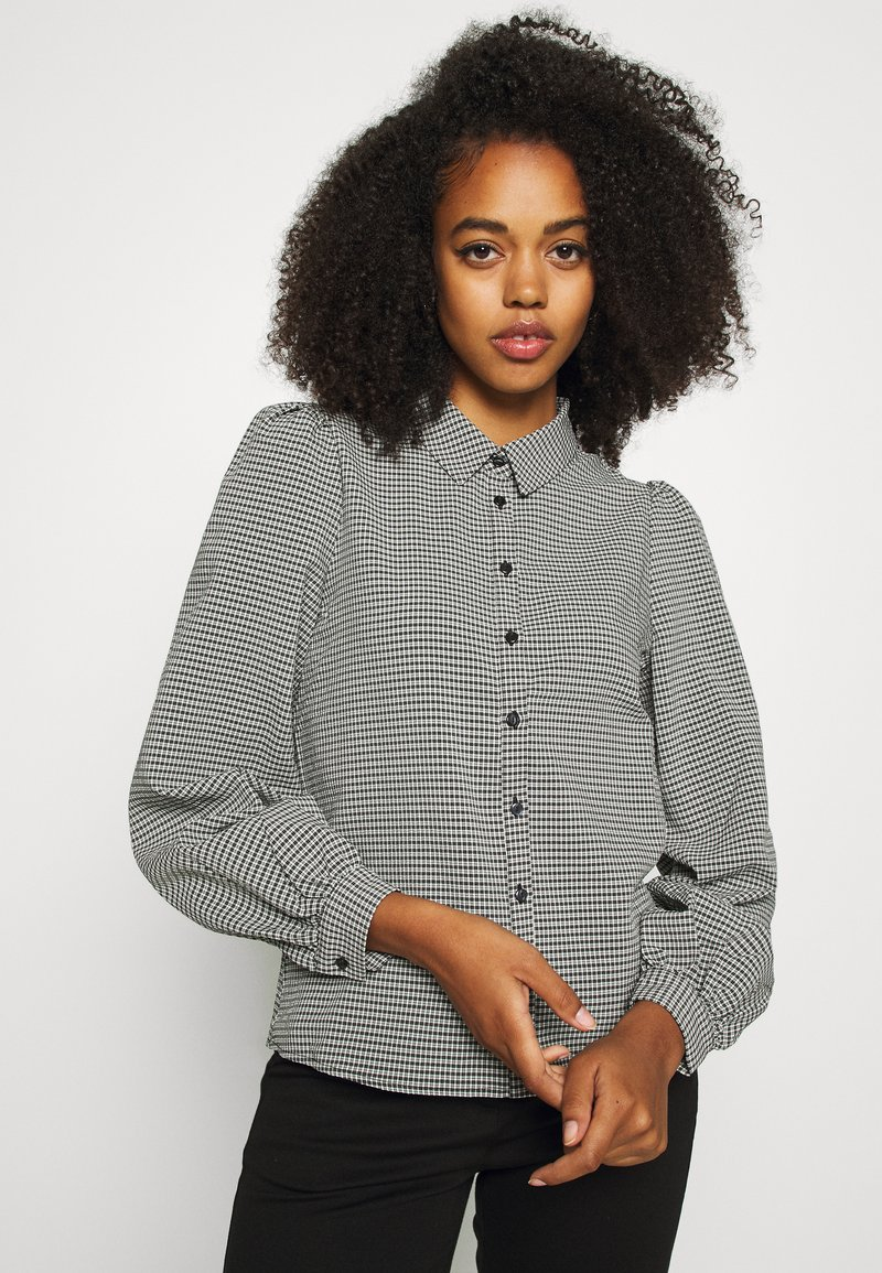 Vero Moda - VMBEATE - Button-down blouse - black/snow white