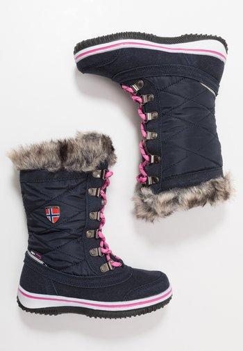 HOLMENKOLLEN UNISEX - Winter boots - navy/magenta