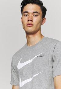 Nike Sportswear - TEE - Camiseta estampada - grey - 3