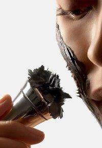 LANCER - MASKE YOUNGER REVEALING MASK INTENSE - SINGLE POD - Face mask - - - 2
