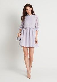NA-KD - MINI DRESS - Koktejlové šaty/ šaty na párty - dusty lilac - 1