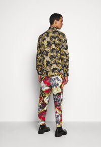 Versace Jeans Couture - PRINT LOGO NEW - Shirt - nero - 3