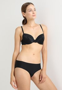 DORINA - CLAIRE BRA - Underwired bra - black - 1