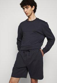 Filippa K - FELIX  - Teplákové kalhoty - ink blue - 3