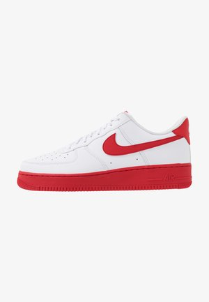 AIR FORCE 1 '07 BRICK - Sneakersy niskie - white/university red