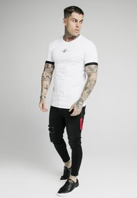 SIKSILK - INSET CUFF GYM TEE - T-Shirt print - white - 1