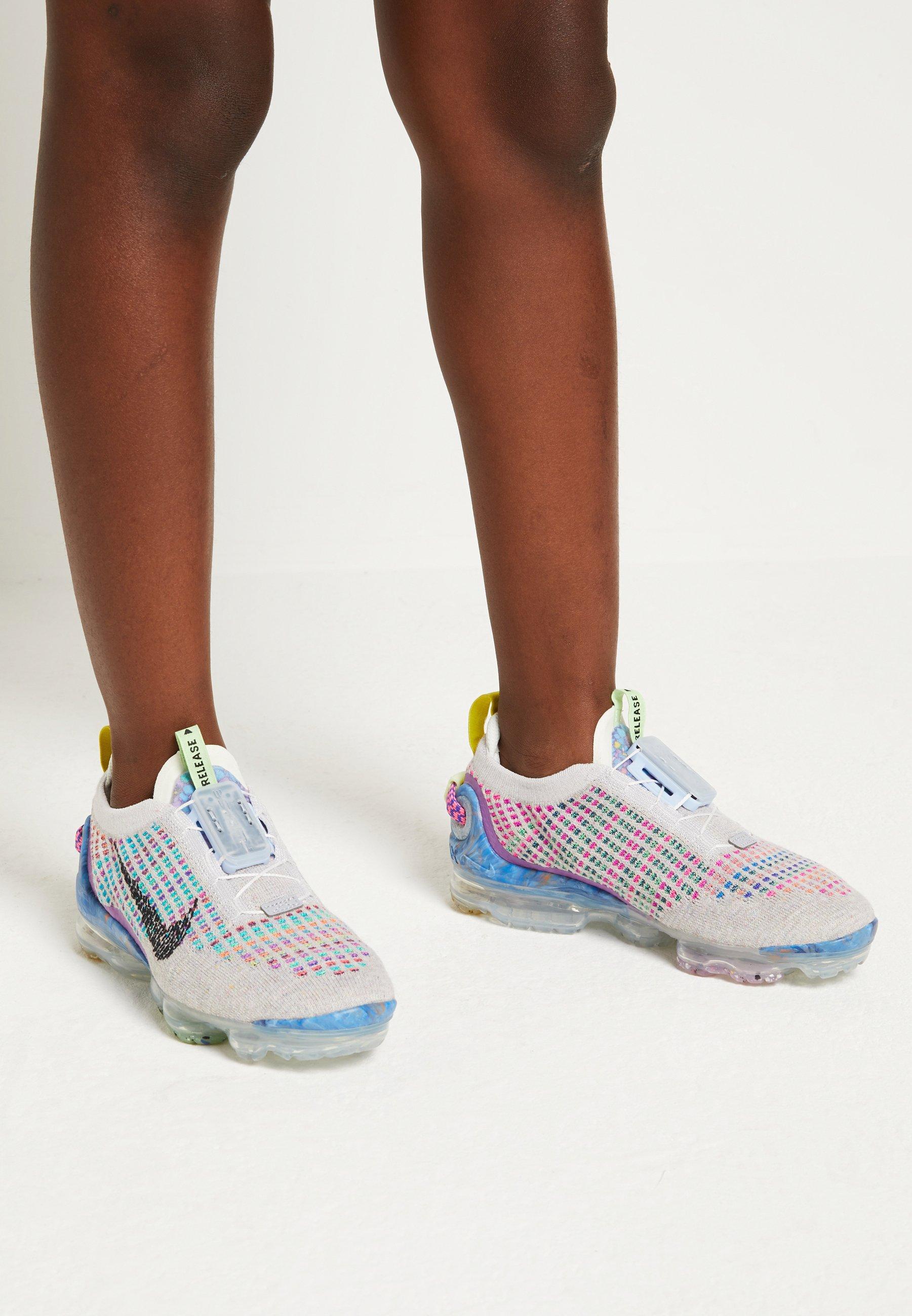 episodio Bigote Avanzar  Nike Sportswear AIR MAX WARP FLYKNIT - Trainers - pure  platinum/black/multicolor/grey - Zalando.co.uk