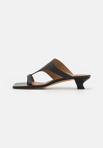 KATH - T-bar sandals - black