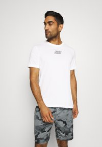 Nike Performance - TEE - Camiseta estampada - sail - 0
