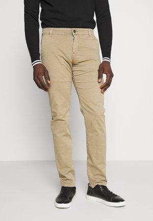 Chino kalhoty - coriander