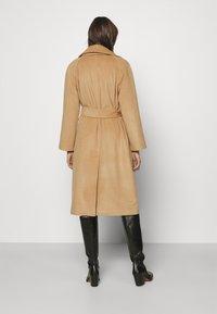 GANT - BLEND BELTED COAT - Classic coat - warm khaki - 2
