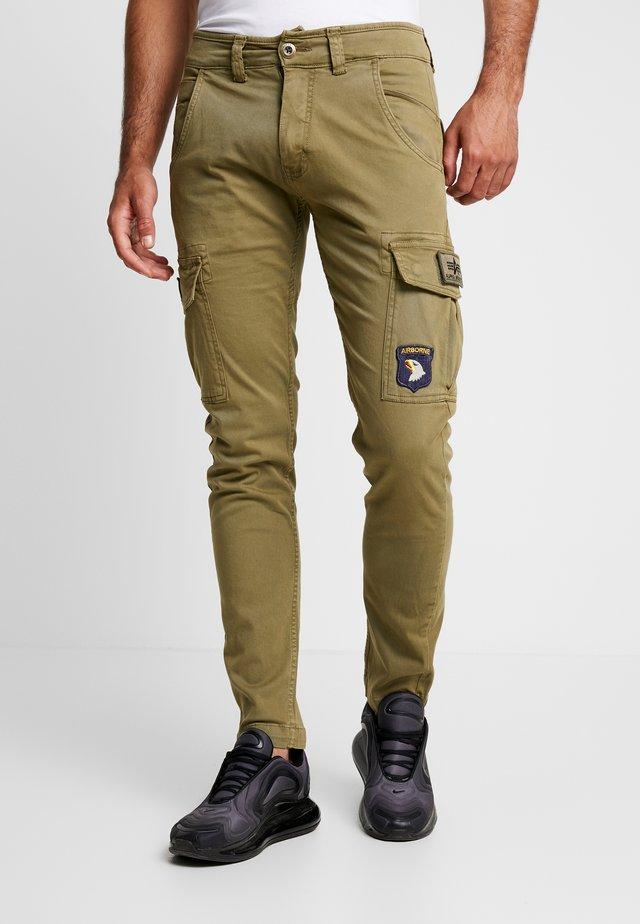 PETROL PATCH - Pantalon cargo - oliv