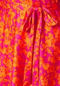 Cras - KAROCRAS DRESS - Sukienka letnia - flower field - 2