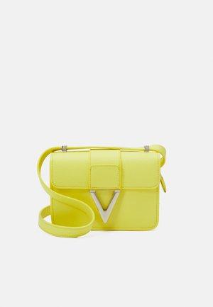 PENELOPE - Across body bag - giallo