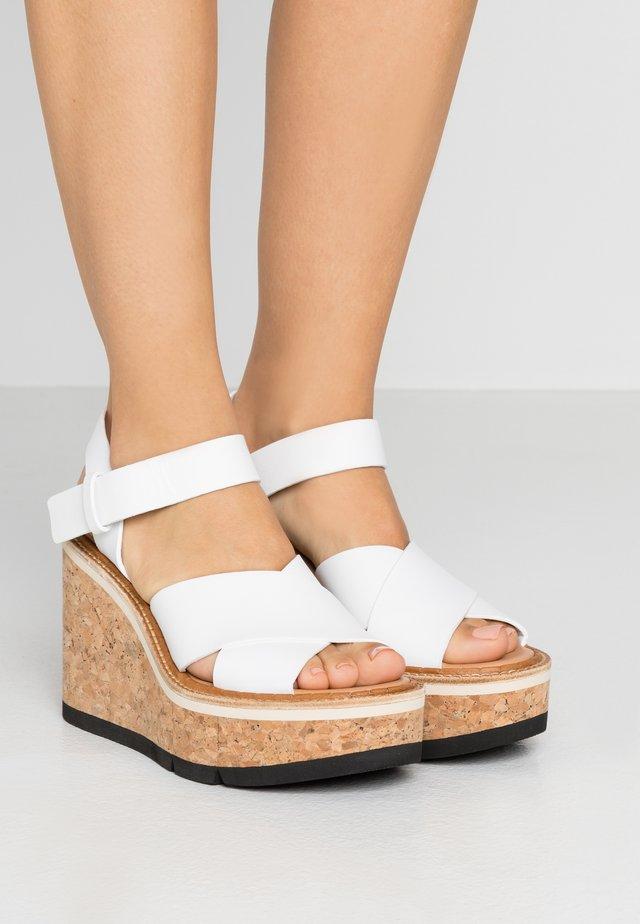 JACINDA - Korolliset sandaalit - white