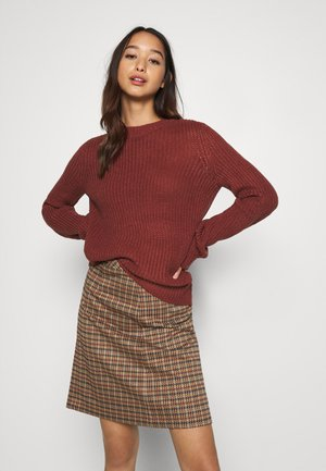 VMZALEA NECK - Strickpullover - madder brown