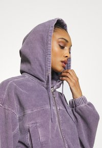 BDG Urban Outfitters - HOODED JACKET - Bomber Jacket - lilac - 4