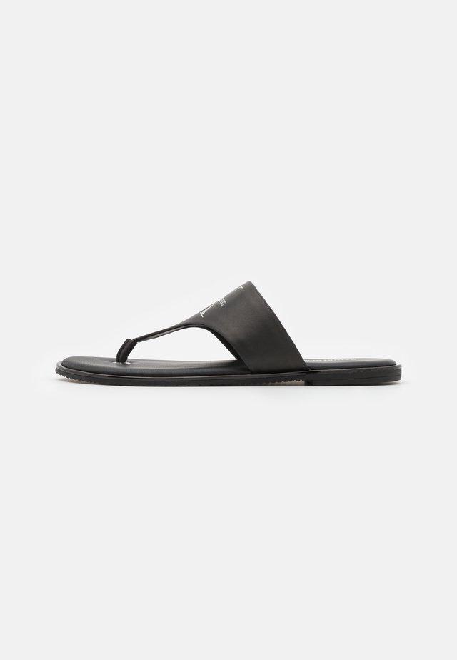 FLAT TOE SLIDE  - Sandály s odděleným palcem - black