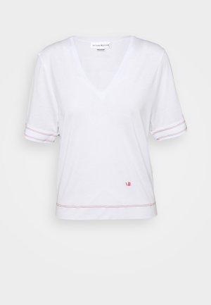 LIGHTWEIGHT  V NECK TEE - Print T-shirt - off white