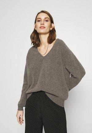 FRANCES V NECK  - Jersey de punto - warm grey
