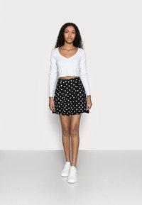 Even&Odd Petite - A-linjekjol - black/multi-coloured - 1