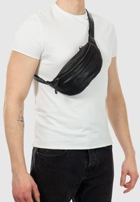 Gusti Leder - Bum bag - black - 0