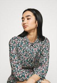 Vero Moda - VMELLIE DRESS  - Shirt dress - ellie - 3