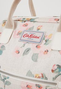 Cath Kidston - HEYWOOD FRAME BACKPACK - Tagesrucksack - warm cream